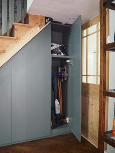 Utility storage closet under stairs 56 Ideas Closet Under Stairs, Space Under Stairs, Under Stairs Cupboard, Basement Stairs, Basement Ceilings, Walkout Basement, Basement Ideas, Toilet Under Stairs, Kitchen Under Stairs