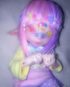 ?? @RyannonRogers ?? #rabbithouses Kawaii Doll, Anime Dolls, Kawaii Fashion, Harajuku Fashion, Doll Repaint, Pastel Art, Custom Dolls, Ooak Dolls, Ball Jointed Dolls