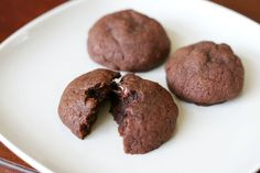 Nutella Fudge Cookies (5 Ingredients: nutella, egg, sugar, flour, chocolate chips)