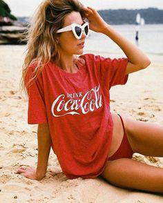 Find and save vintage styles from a film, fashion, and literature. Dive into the vintage pop culture. Forever vintage fashions for your inspiration. Coca Cola Drink, Cola Drinks, Coca Cola Ad, Always Coca Cola, World Of Coca Cola, Cola Wars, Poses, S Girls, How To Wear
