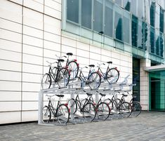 BIPLANO - Designer Bicycle stands from Metalco ✓ all information ✓ high-resolution images ✓ CADs ✓ catalogues ✓ contact information ✓ find. Street Furniture, Stand Design, Car Parking, Bike Stands, Bicycle, Steel, Buildings, Interior Design, Architecture
