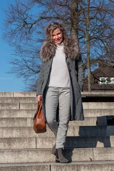 Oversized Mantel - wie trage ich das It-Piece des Winters? - women2style Oversized Mantel, Fall Winter, Vest, Mom, Jackets, Outfits, Fashion, Loose Pants, Short Jackets