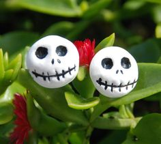 Jack Skellington earrings by CositasdeMochi on Etsy