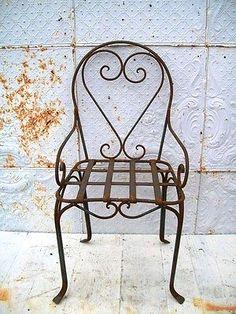 Wrought-Iron-Heart-Chair