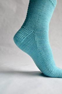 Sock_06_small2 Crochet Socks, Knitted Slippers, Free Crochet, Knit Crochet, Loom Knitting, Knitting Socks, Knitting Patterns, Crochet Patterns, Simply Knitting