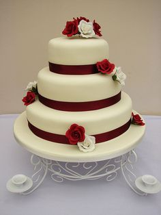 burgundy and cream wedding cakes | Recent Photos The Commons Getty Collection Galleries World Map App ...