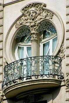 MATIN LUMINEUX: Architecture 1900