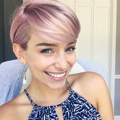 30 Short Haircuts For Teenage Girls - New Hair Styles Short Brown Hair, Girl Short Hair, Short Hair Cuts, Short Hair Styles, Pixie Hairstyles, Hairstyles With Bangs, Trendy Hairstyles, Teenage Hairstyles, Short Girl Hairstyles