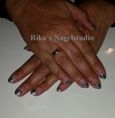 acryl nagels met een leuke nail art