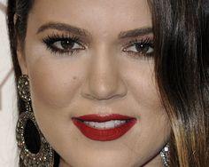 #Beauty detail: el #maquillaje clásico de Khloe Kardashian, en Huntington Beach
