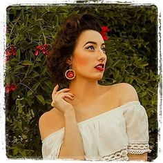 My lovely French Customer @jiji_lamorosa_retrogirl  been a babe with the coming Bamboo Hibiscus Earrings  Lost paradise in the granny's garden  Look at this beautiful exotic earring ! Thank you @glitterparadise  #tropical #exotic #jungle #retrogirl #retrofashion #retrostyle #retrohair #retro #pinup #pinupstyle #pinupgirl #vintage #vintagestyle #vintagehair #vintagegirl #vintagefashion #vintageclothing #vintagelife #summer #redlips #redflowers #tikiart #tikipinup #Regrann