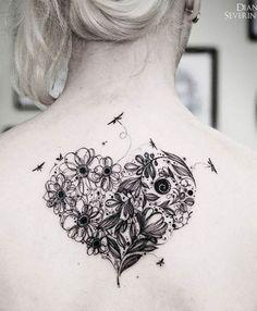 Uma tatuagem de coração pode ser minimalista ou elaborada e no formato anatômico. Inspiração é o que não falta para colocar o amor no corpo!