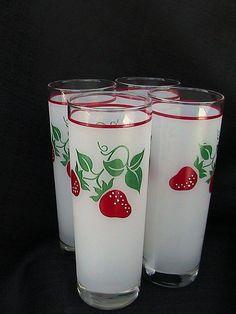 Strawberry Glasses Vintage Set of (4) Made by Teleflora of France 1983 Housewares Strawberry Design Kitchen Strawberry Pattern
