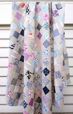 Liberty Tana Lawn and Chambray Checkerboard Quilt ~ Blues (Red Pepper Quilts) Liberty Quilt, Liberty Fabric, Purple Quilts, Gray Quilts, Postage Stamp Quilt, Quilt Storage, Summer Quilts, Quilting For Beginners, Antique Quilts