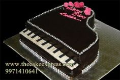 PIANO CAKE Sweet Cakes, Cute Cakes, Piano Musical, Paul Cakes, Music Cupcakes, Dj Cake, Music Themed Cakes, Farewell Cake, Different Kinds Of Cakes