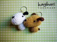 Crochet Brooch, Diy Crochet, Crochet Crafts, Yarn Crafts, Crochet Toys, Crochet Projects, Crochet Key Cover, Crochet Keychain, Dog Crafts