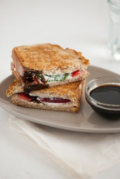 strawberry, basil & goat cheese panini