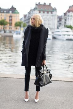 Coveting white shoes lately Street Style, Street Chic, Passion For Fashion, Love Fashion, Womens Fashion, Look Chic, Autumn Winter Fashion, What To Wear, Style Me