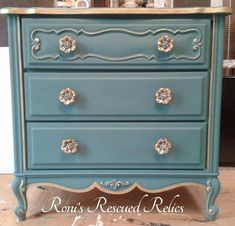 French Provincial Nightstand Makeover Using Annie Sloan Chalk Paint Florence and Graphite by Roni's Rescued Relics - Featured on Furniture F... #paintedfurniturefrench