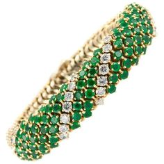 Preowned 1970s Emerald Diamond Gold Couscous Bracelet (80 135 SEK) ❤ liked on Polyvore featuring jewelry, bracelets, green, gold jewellery, emerald jewelry, gold diamond bangle, yellow gold bangle and emerald bangle