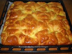 Romanian Desserts, Romanian Food, Pastry And Bakery, Pastry Cake, Serbian Recipes, Romanian Recipes, Yummy Cakes, Hot Dog Buns, Street Food