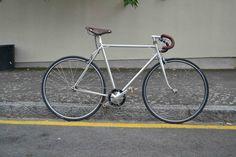 Le Stella fixé de Benoit, made in Rennes ! Benoit, Bicycle, Veil, Fixed Gear, Urban Bike, Rennes, Bike, Bicycle Kick, Bicycles