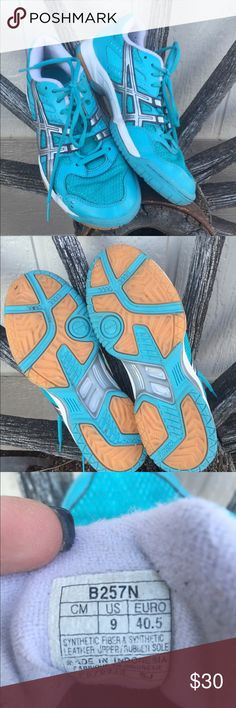 Asics Volleyball Shoes-women size 9 Asics GEL-Rocket Volleyball Shoes size 9 women. Turquoise looking color. Worn two months--great condition. Asics Shoes Athletic Shoes