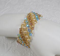 Woven Bracelet Swarovski Crystal Aquamarine AB por IndulgedGirl