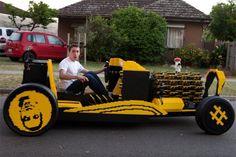 Rondrijden in een levensgrote lego-auto | ZDNet.be
