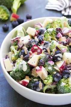 Best Ever No Mayo Broccoli Salad with Blueberries and Apple! This healthy and easy side dish has a creamy poppy seed dressing, cranberries, and sunflower seeds. It will be the hit of your summer BBQ or of July party! Apple Recipes, Yummy Recipes, Salad Recipes, Cooking Recipes, Healthy Recipes, Skinny Recipes, Healthy Broccoli Salad, Healthy Salads, Healthy Eating