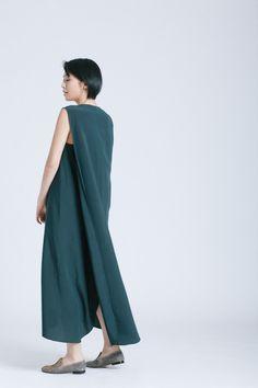 Kaarem - Minimalist Clothing. Elegant Draped Dresses