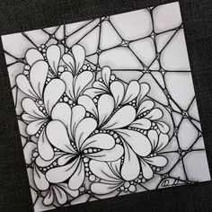Drawing Doodles Ideas Zentangle - Artwork from Rebecca Kuan - Dibujos Zentangle Art, Zentangle Drawings, Doodles Zentangles, Zentangle Patterns, Doodle Drawings, Doodle Art, Flower Drawings, Zen Doodle Patterns, Doodle Pages