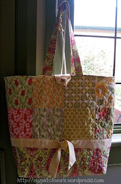sew - quilted tote bag tutorial - one of several fabulous tutorials by this clever generous lady