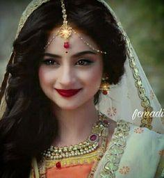 Afshii majid Siya Ke Ram, Saraswati Goddess, Pooja Sharma, Walima, Face Expressions, Girl Pictures, Mehndi, Krishna, Eye Makeup