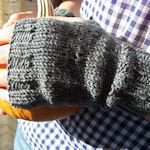 Lots of fingerless mittens patterns on this website !