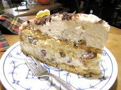 Hier geht es in den traumhaften Norden: Ostfriesen-Torte mit in Rum eingelegten Rosinen - (c) 2011 by Café-Restaurant Haus-Zillertal in Wuppertal Cronenberg