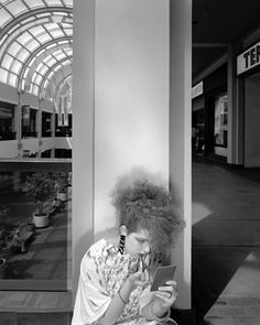 Mall Series: 21 Photographs Capture Daily Life of People at Shopping Malls in th… – Commercial