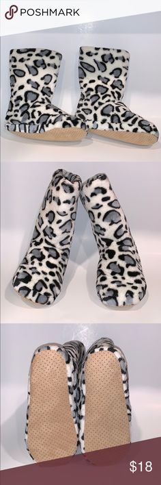 127a720bc8e5 🧱NWOT alcove animal print slipper boots ▫️These are white polyester with  black and gray
