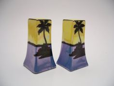 Pair of Vintage Salt and Pepper Shakers - Japan - Blue Yellow Black Palm Trees
