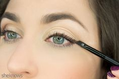 How to use eyeshadow as eyeliner. Makeup tips.