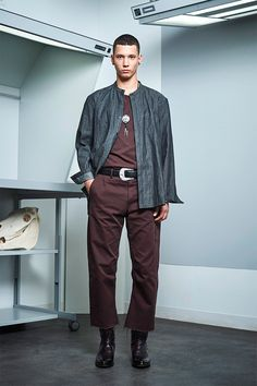 Siki Im presented its Fall/Winter 2017 collection during New York Fashion Week Men's. Winter 2017, Fall Winter, Autumn, Sustainable Looks, Urban Fashion, Mens Fashion, Poncho Outfit, Dandy Style, Men's Style