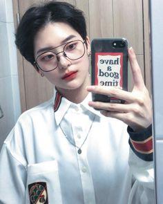 Asian Short Hair, Girl Short Hair, Short Hair Cuts, Short Hair Styles, Korean Boys Ulzzang, Cute Korean Boys, Ulzzang Boy, Korean Glasses, Short Grunge Hair
