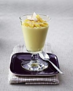 Vanille-Kokos-Pudding mit Mango