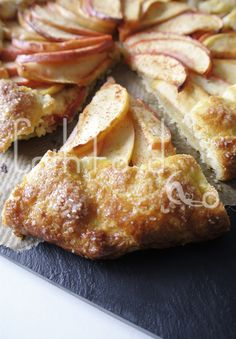 Apple galette, super easy, super yummie! Get the recipe @ cathfood.com!
