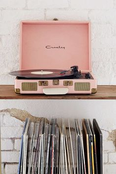 vintage christmas # christmas dusty pink vinyl record player, pantone pale do ., wall vintage christmas # christmas dusty pink vinyl record player, pantone pale do . Pantone, Dusty Rose Color, Dusty Pink, Blush Pink, Record Player Urban Outfitters, Pale Dogwood, Staubige Rose, White Brick Walls, Spring Fashion 2017