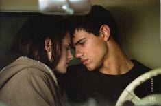 new+moon+twilight+Bella+and+Jacob | bella and jacob almost kiss!!!
