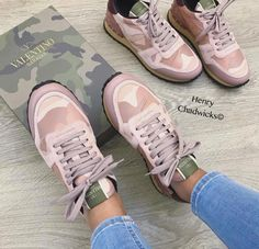 Valentino sneakers🔥𝓵𝓲𝓴𝓮 𝔀𝓱𝓪𝓽 𝔂𝓸𝓾 𝓼𝓮𝓮?💕 𝓯𝓸𝓵𝓵𝓸𝔀 ➡️ 𝒻💗𝓇 𝓉𝒽𝑒 𝓁𝒾𝓉𝓉𝑒𝓈𝓉 𝒸🍪𝓃𝓉𝑒𝓃𝓉❣ Valentino Trainers, Valentino Shoes Sneakers, Casual Sneakers, Sneakers Fashion, Fashion Shoes, Fashion Accessories, Cheap Shoes, Custom Shoes, Black Booties