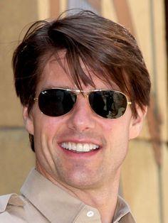 Tom Cruise Side Swept Bangs and classic sunglasses Tom Cruise Sunglasses, Ray Ban Sunglasses Outlet, Logan Lerman, Amanda Seyfried, Nicole Kidman, Shia Labeouf, Tom Cruise Haircut, Tom Cruise Age, Cruise Fashion