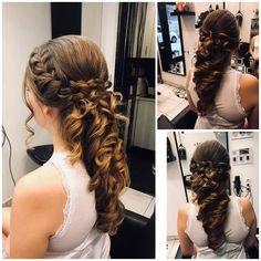 Szalonunkban újra szép konty készült :) Hogy tetszik Noémi alkotása? :)  #instafashion #beautysalon #hairstyle #hairstyles #hairs #hairsalons #hairbunmaker #hair #prilaga #hairfashion #hairbuns #hairsalon #hairdresser #hairbun #hairofinstagram #hairoftheday #konty #menyasszony #kiengedettkonty#magdiszepsegszalon #nofilter Dreadlocks, Hair Styles, Beauty, Hair Plait Styles, Hair Makeup, Hairdos, Haircut Styles, Dreads, Hair Cuts