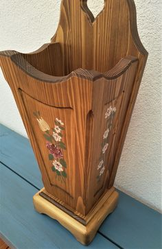 Our hand-painted farm furniture was made of solid wood, spruce and the surface was treated with oil and beeswax. Magazine Rack, Etsy, Storage, Home Decor, Hand Painted Furniture, Cottage Chic, Rain, Timber Wood, Purse Storage